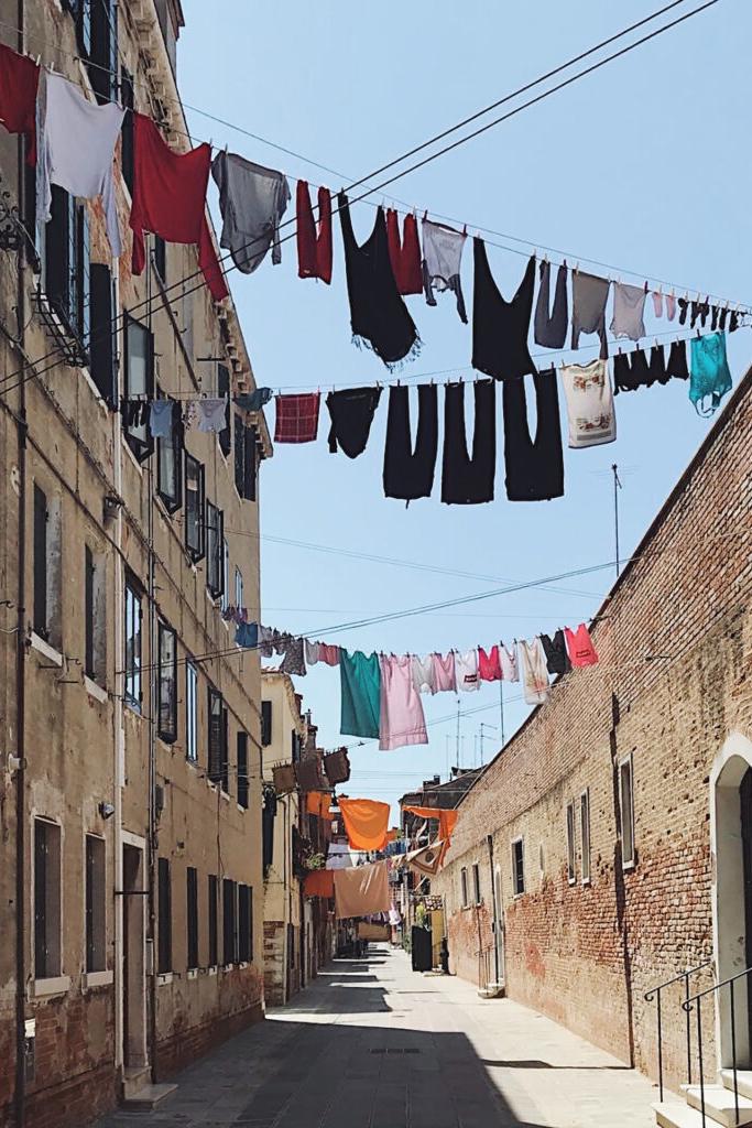 Venetian Steps-Marian Muilerman-calli-Christina Gottardi-Venezia-Venice-Italy-Italia-Tour Leader-Accompagnatrice Turistica-Netherlands-Turism-Turismo-Web-Design-Eva-Basso-Digital-Media_Specialist-Curator-Art-Arte-Food-Cibo-Italiano-Italiana-Local-Venetie-Venice-Guide