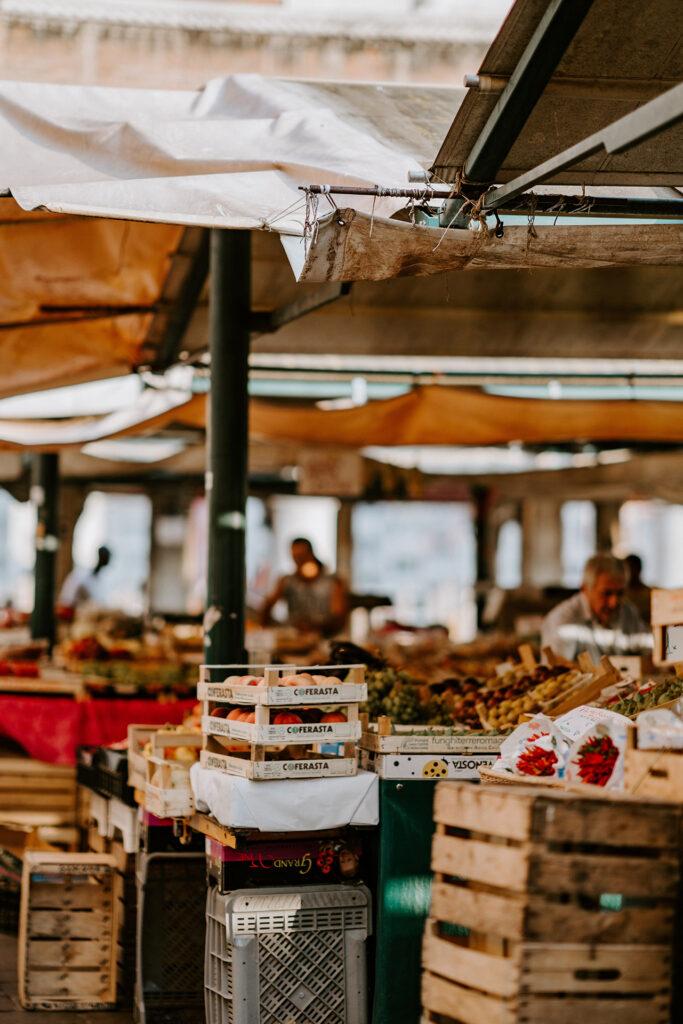 Venetian Steps-Marian Muilerman-Christina Gottardi-Venezia-Venice-Italy-Italia-Tour Leader-Accompagnatrice Turistica-Netherlands-Turism-Turismo-Web-Design-Eva-Basso-Digital-Media_Specialist-Curator-Art-Arte-Food-Cibo-Italiano-Italiana-Local-Venetie-Venice-Guide-Market_Mercato